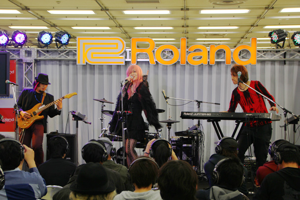 Rolandブースライブ