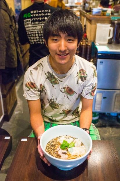 地球少年・篠原祐太のコオロギラーメン実食レポート2